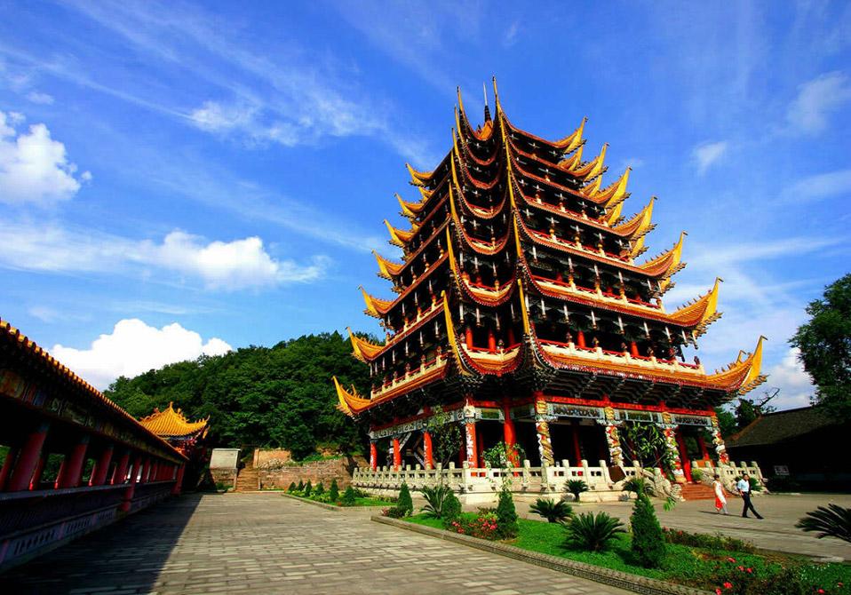 广德寺风景区  位置:广德路中国观音故里广德风景区 遂宁广德寺始建于