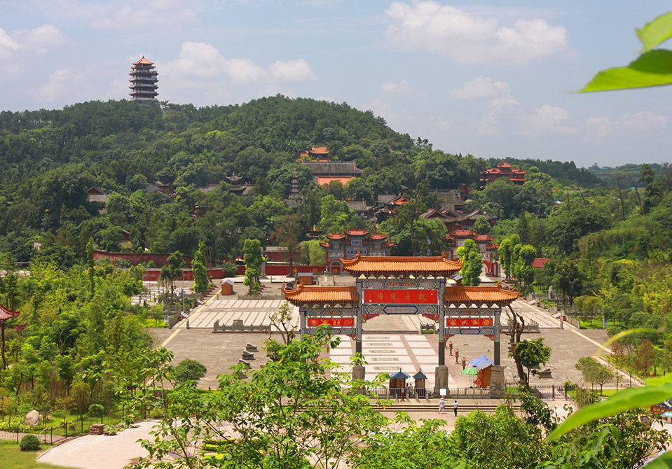 旅游景点 广德寺风景区  位置:广德路中国观音故里广德风景区 遂宁